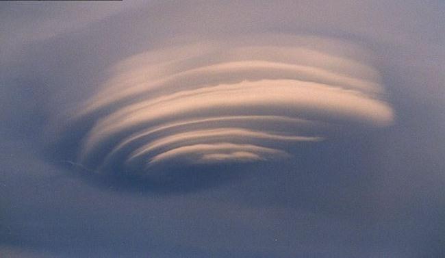Lenticular_cloud-2.jpg